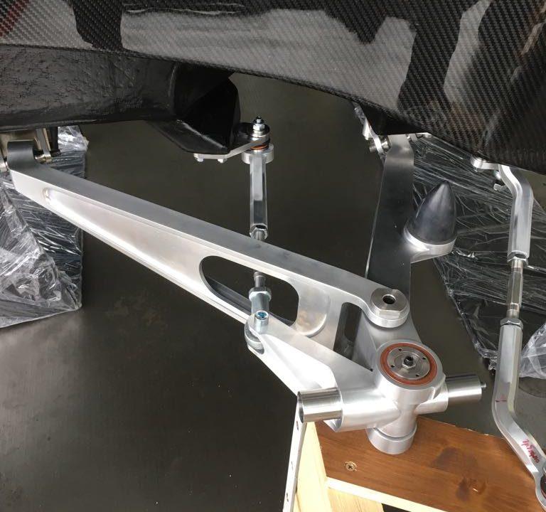 Aeromobil 4.0 Flying Car front suspension